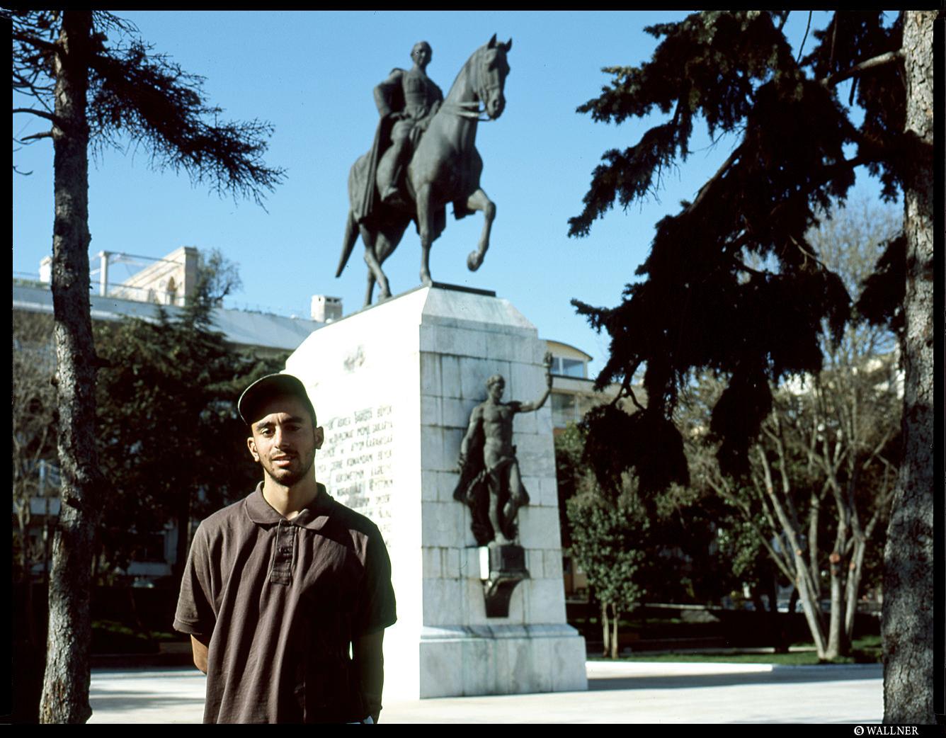 MediumFormatPatrikWallner_Istanbul_GunesInTurkeyLOWQ