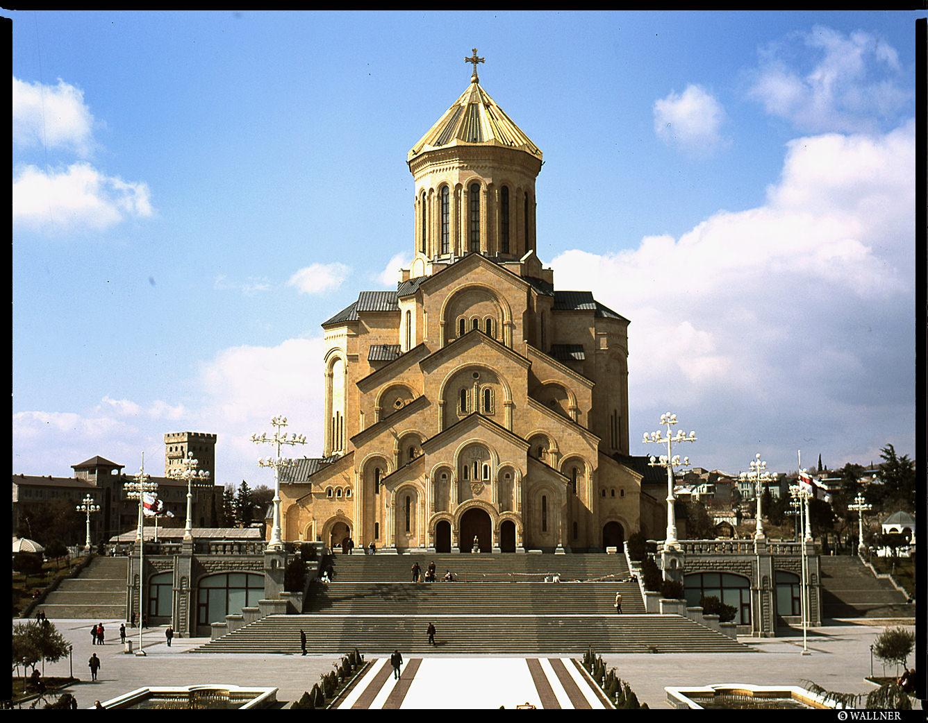 MediumFormatPatrikWallner_Tbilisi_SamebaLOWQ